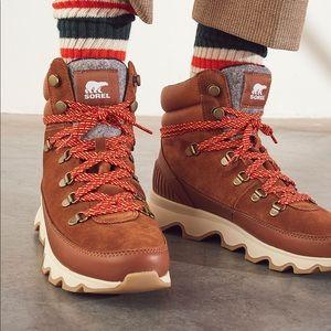 NWT RARE Sorel Kinetic Conquest Boots